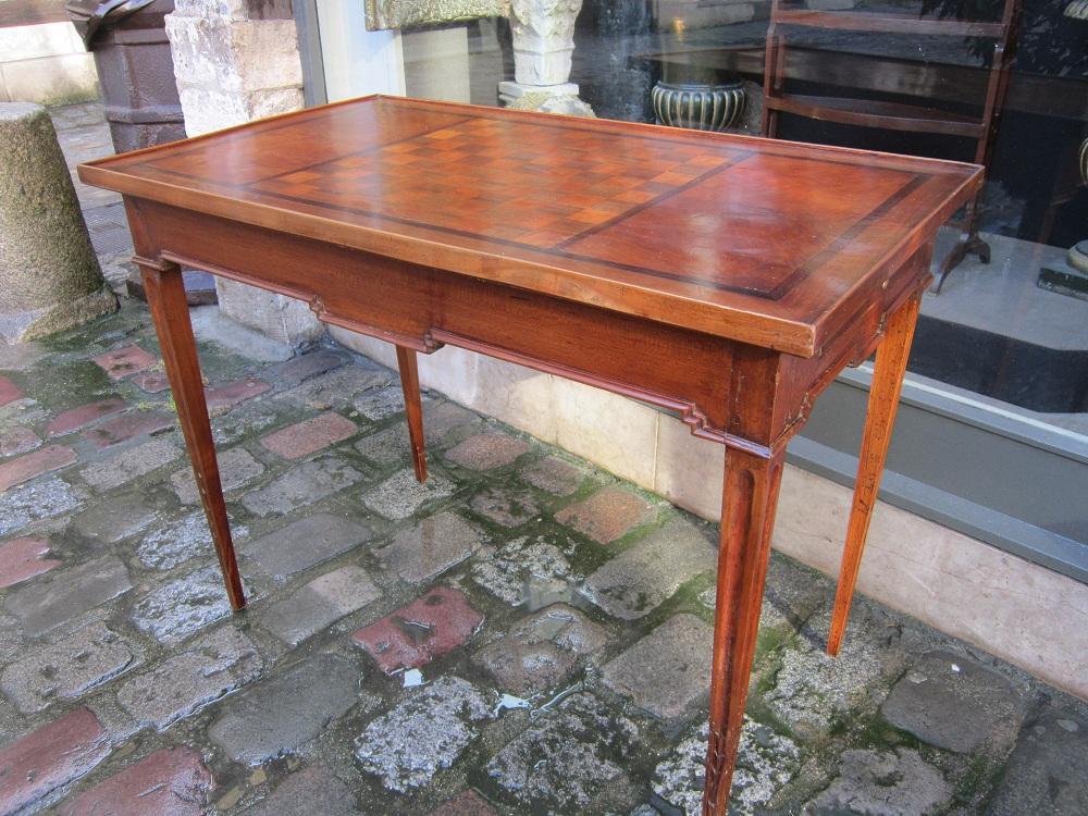 Table à Jeux Provençale Louis XVI