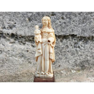 Charmante Petite Vierge En Ivoire De Dieppe Louis XIII