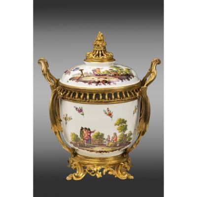 Samson Porcelain Center Mounted In Bronze. Louis XV Style