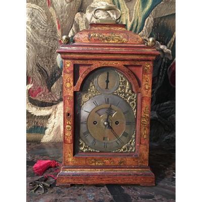 Horloge De Table Anglais. Mouvement signé dans le cadran  Jhon Waldron, Cornhill London.