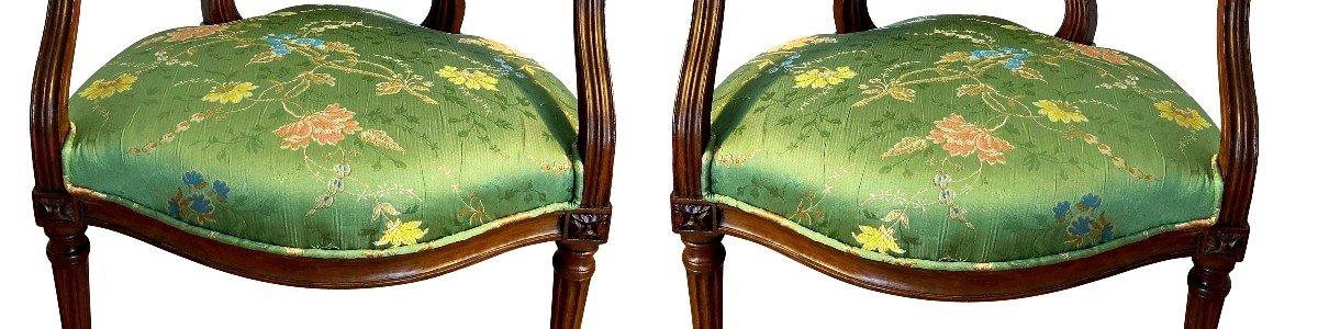 Paire De Fauteuils Louis XVI En Brocart De Soie-photo-5