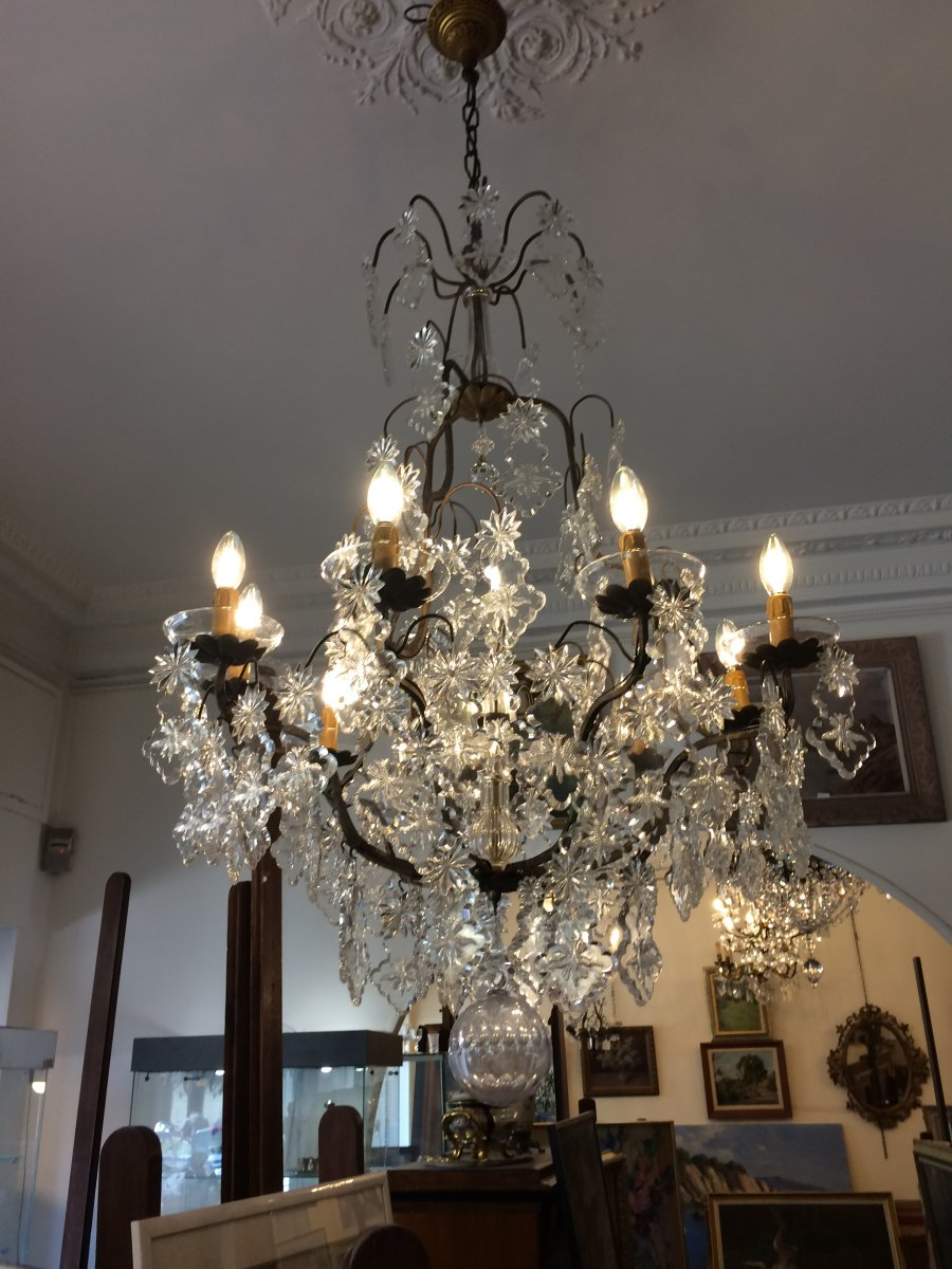 Large Crystal Chandelier With 9 Arms Of Light