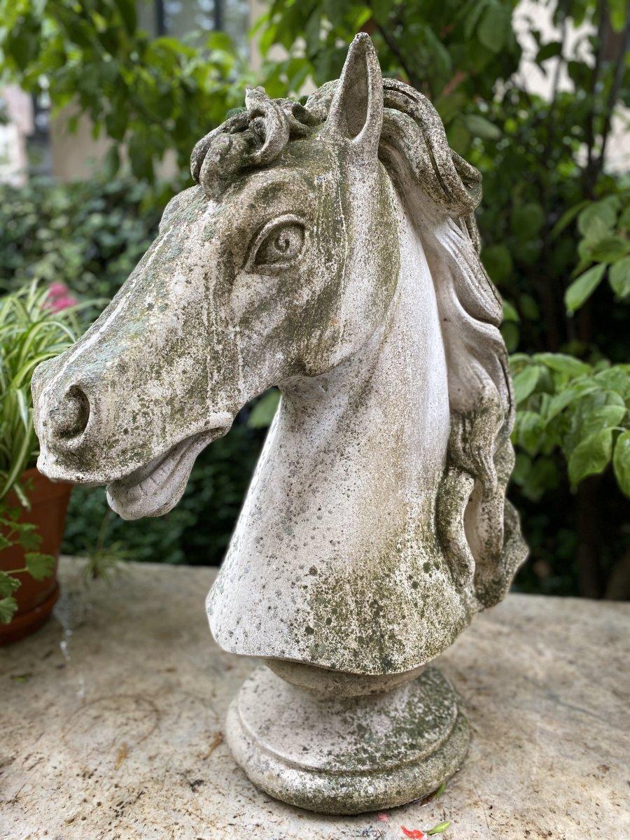 Tête De Cheval en pierre