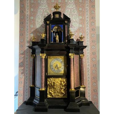 Monumentale et spectaculaire  Pendule