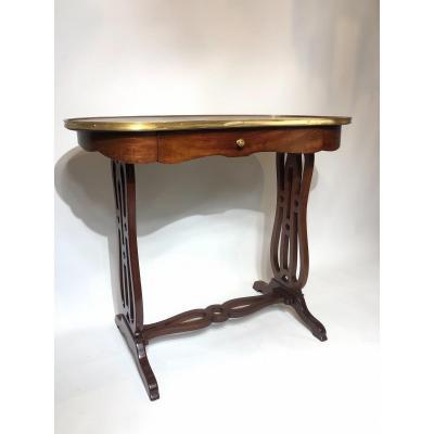 Table Rognon De Style Louis XVI En Acajou.