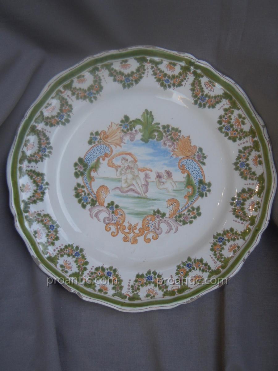 Assiette Décor Mythologique d'après Moustiers attribuée à Samson Fin XIXème