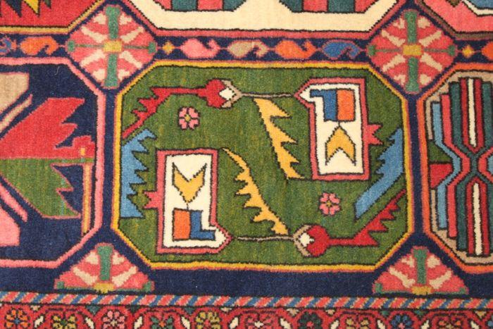tapis persan bakhtiar jardin pi ce de collection tapis. Black Bedroom Furniture Sets. Home Design Ideas