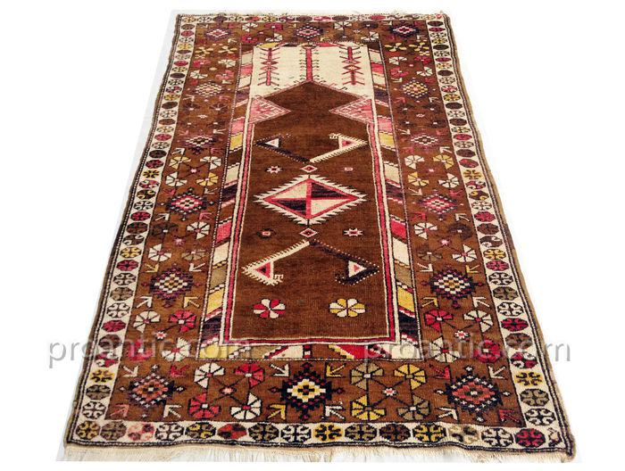 tapis kazak kurde ancien milieu xx me si cle tapis tapisseries. Black Bedroom Furniture Sets. Home Design Ideas