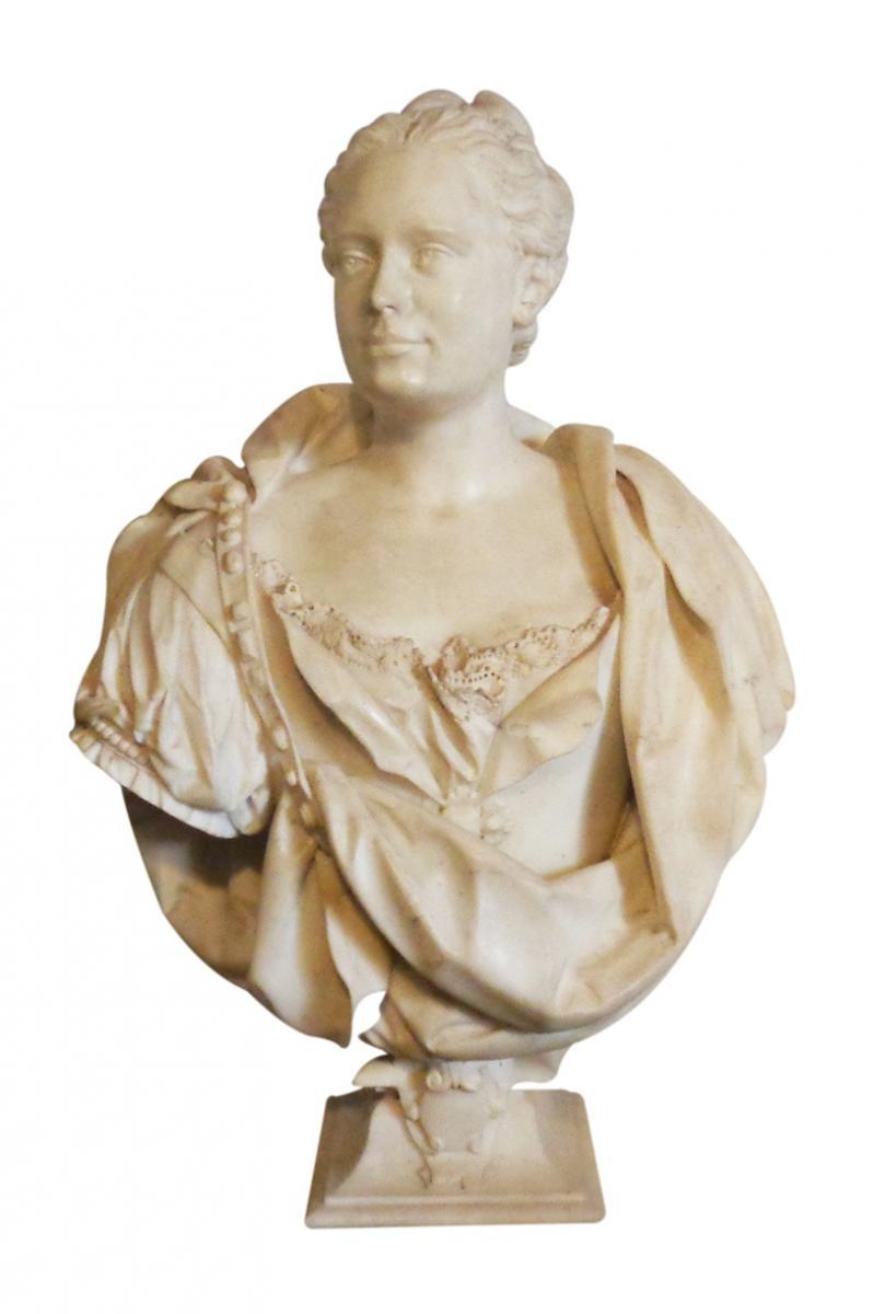 Buste De Femme