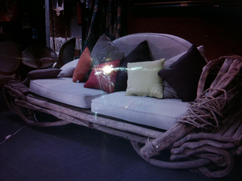 grand canap en bois flott ann es 1970 80 banquettes canap s. Black Bedroom Furniture Sets. Home Design Ideas
