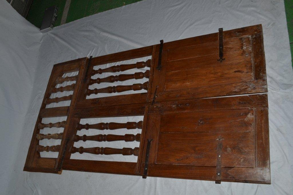 Double Baluster Doors From The XIXth Century. In Solid Oak With Its Imposte