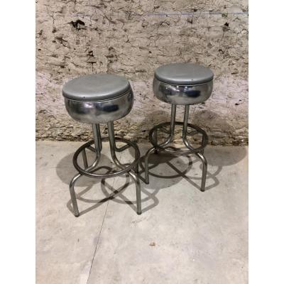 Paire De Tabourets De Bar  En Chrome Et Simili-cuir Argent