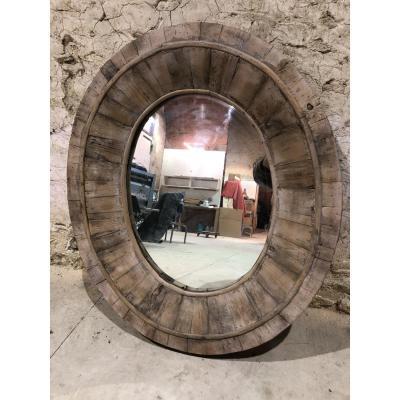 Miroir Ovale Fabriqué à Base De Bois Ancien