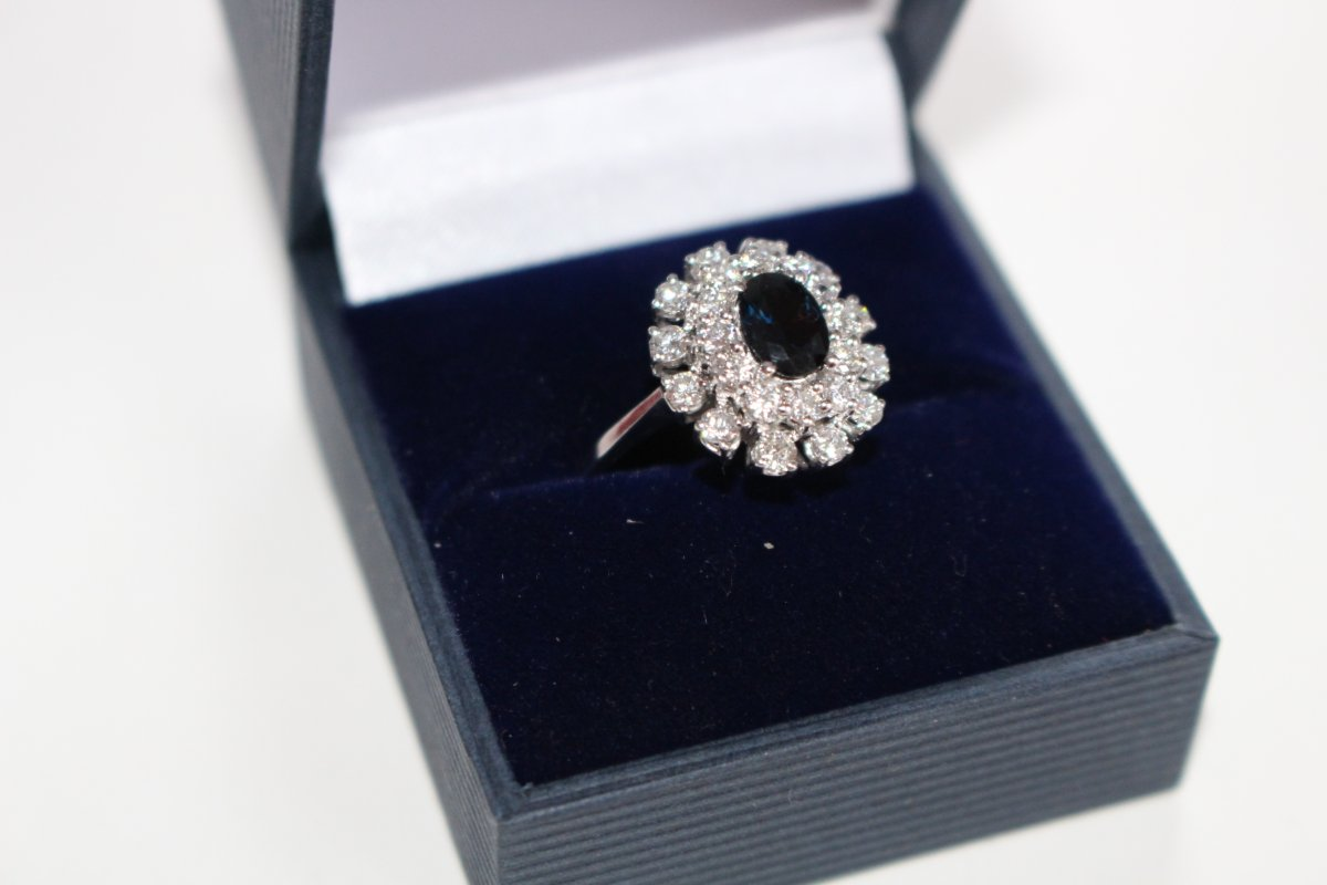 585 14kt White Gold Ring Sapphire And Diamonds