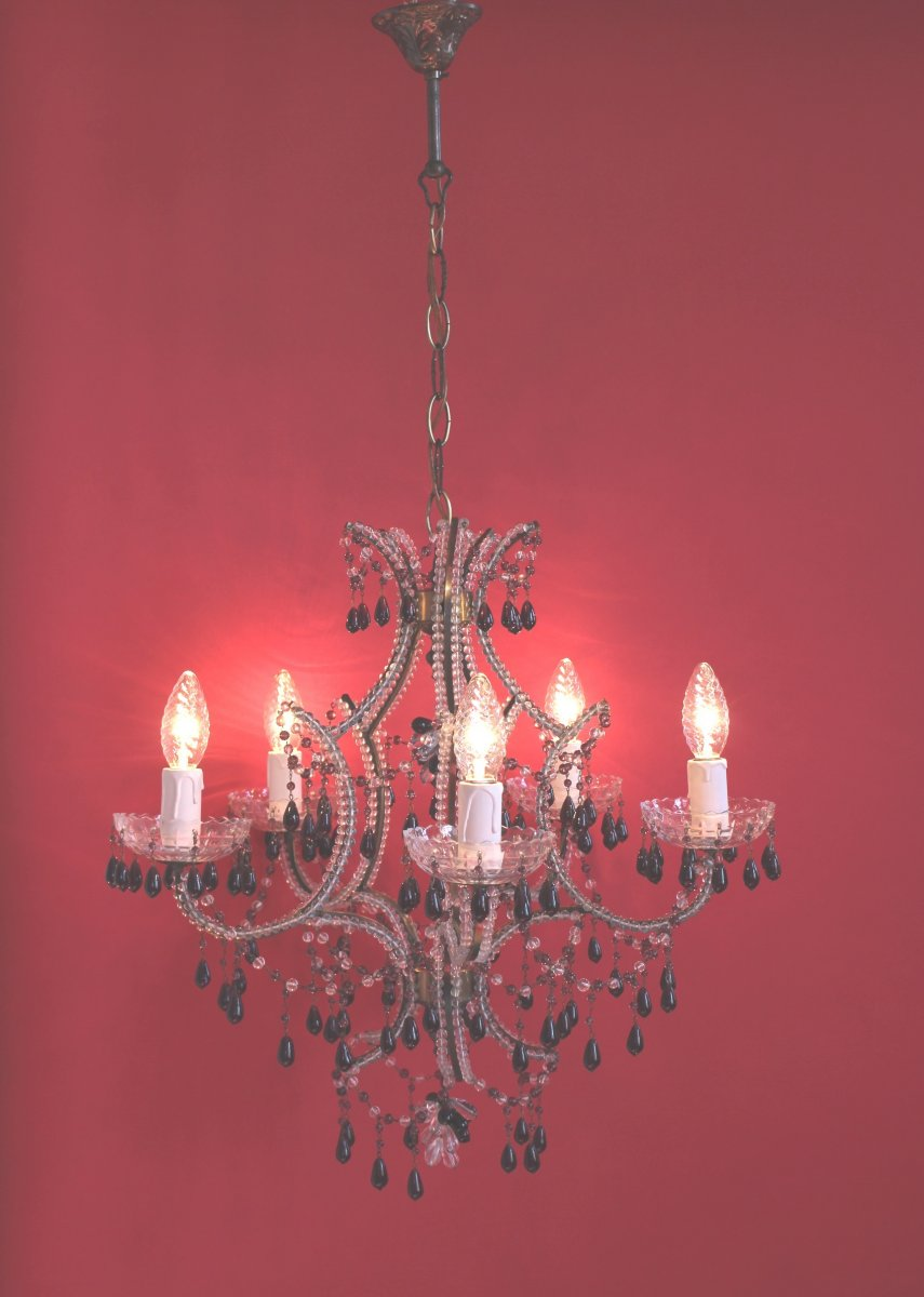 Chandelier With Five Arms Of Light With Clear Pearls And Amethyst Color