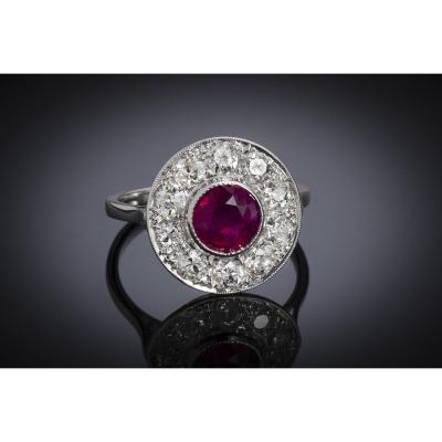 Bague Art Déco rubis birman naturel, rouge vif (certificat du LFG) diamants