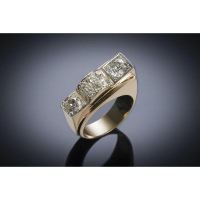 French Ring Circa 1940 Diamonds (1.60 Carat, Main 0.80 Carat)