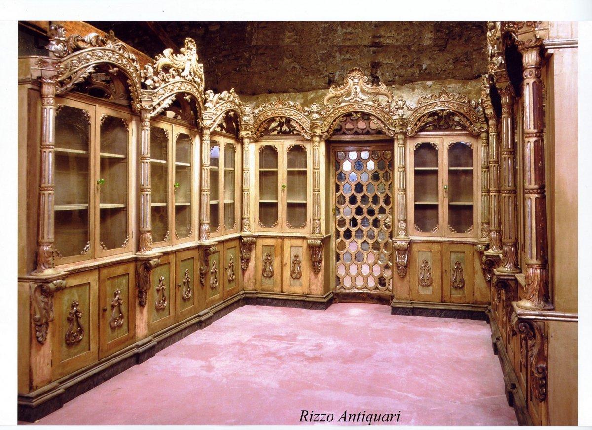 Rare Bibliothèque  pharmacie   En Bois Laqué Et Argenté 18ème siècle