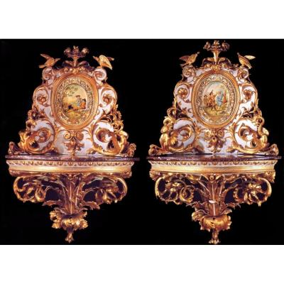 Old Pair Of Corner Cabinets In Lacquered And Gilded Wood From Florence 1790 Circa