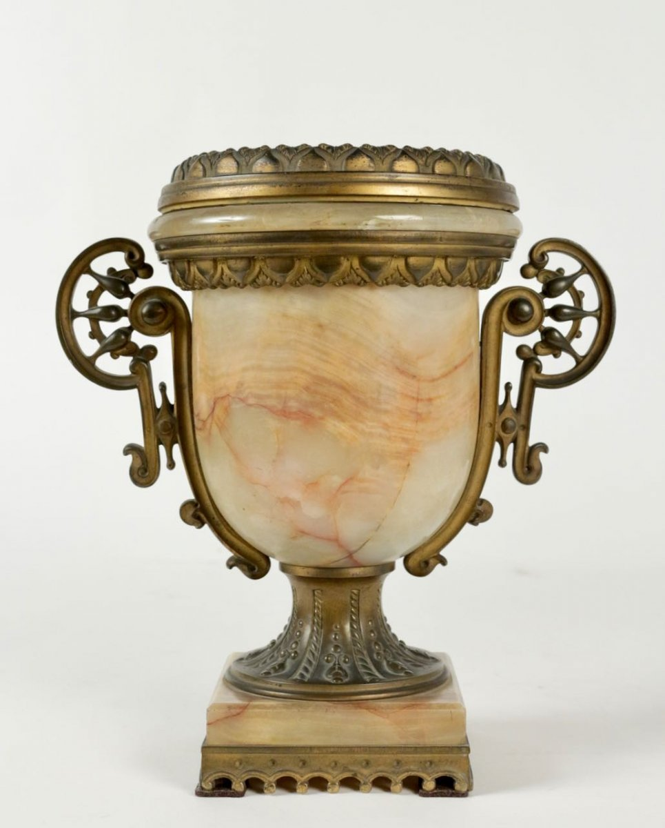 An Urn In Onix And Bronze