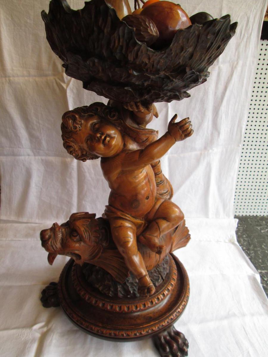 Coupe en bois sculpté