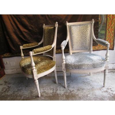 Paire de fauteuils laqué blanc