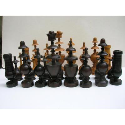 "Chess Game Told ""directoire"" In Boxwood And Violette Wood"