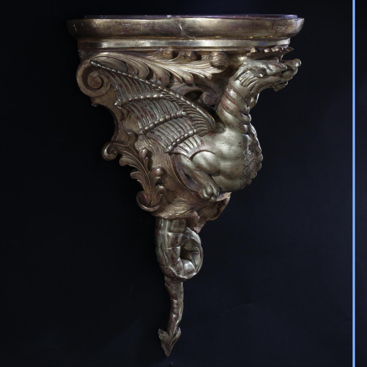 """Console murale """"le Dragon"""" en bois sculpté doré, XIXe"""