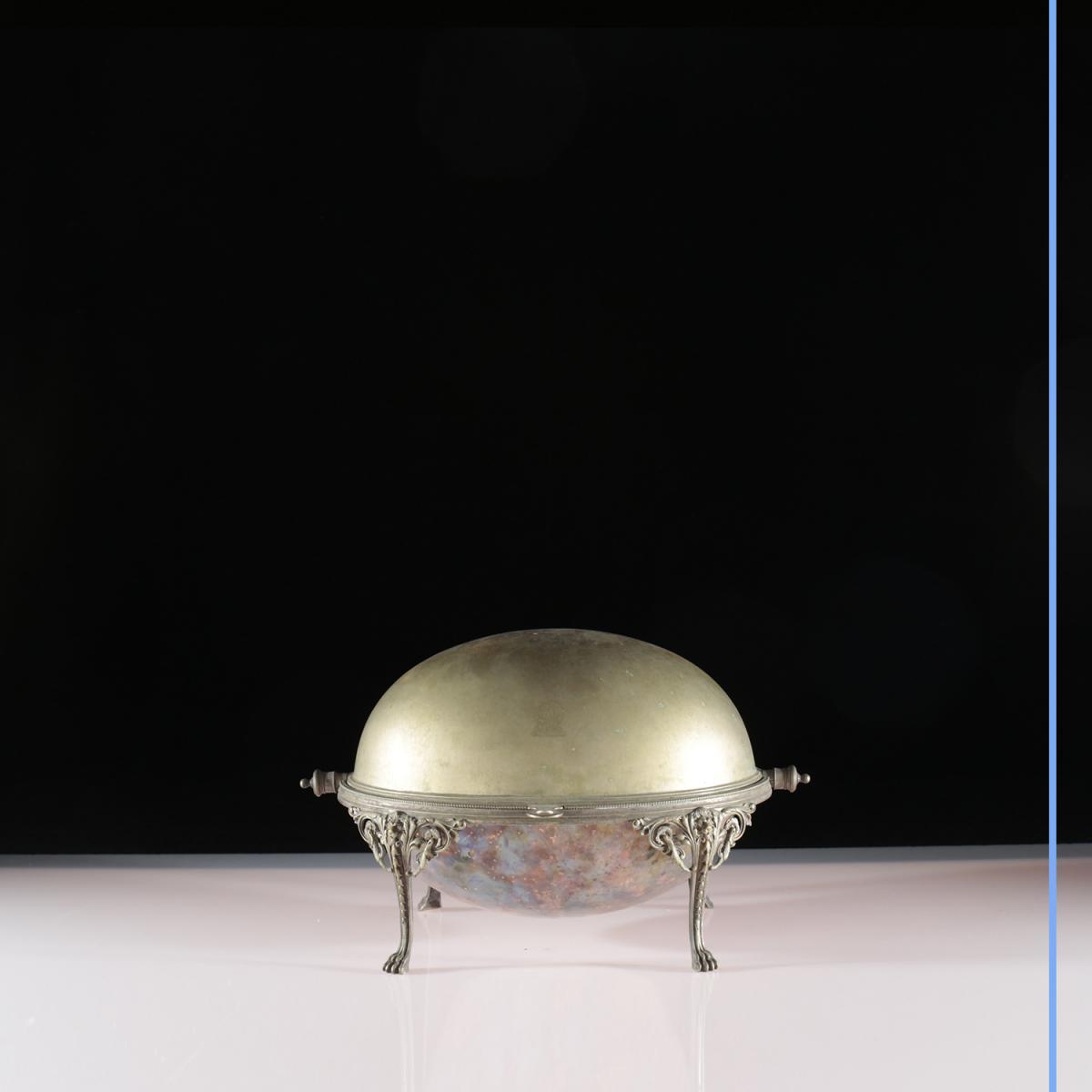 Chauffe-plat à cloche en argent, XIXe