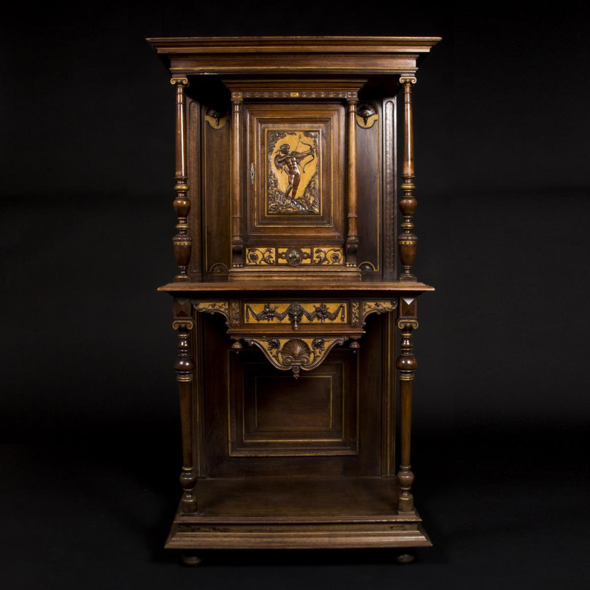 Cabinet au Cupidon en noyer, XIXe