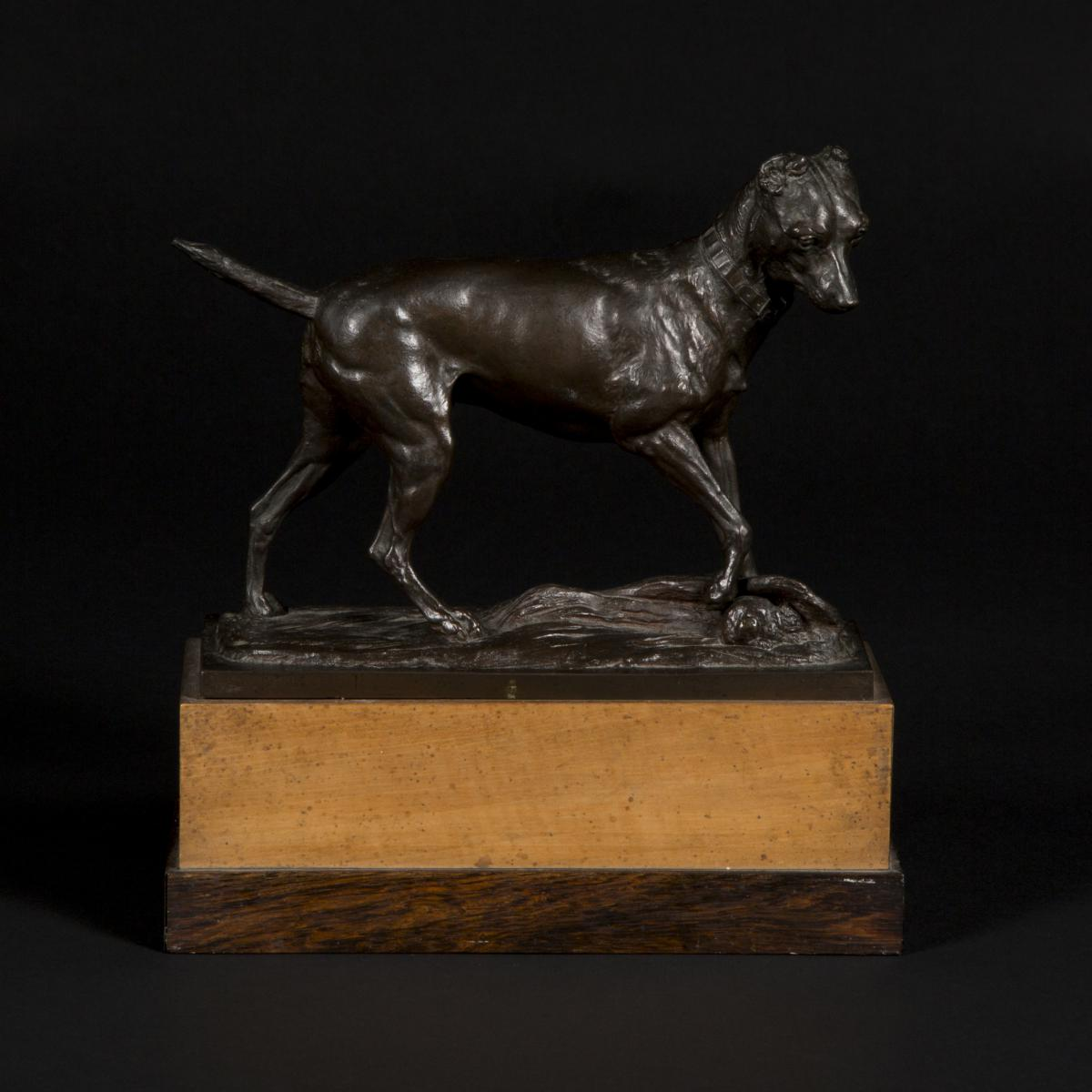 "Cisterne (XIXe-XXe), bronze ""Chien"", XIXe"