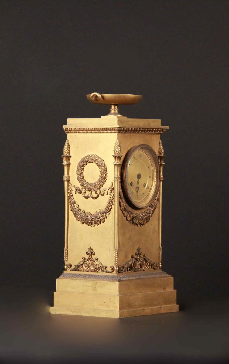 Pendule borne en bronze doré, XIXe