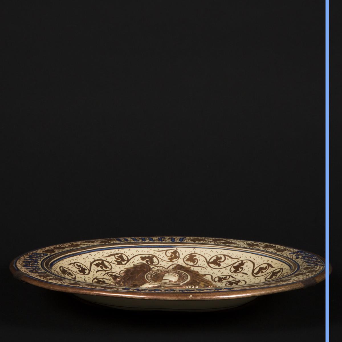Plat en porcelaine, XIXe-photo-2