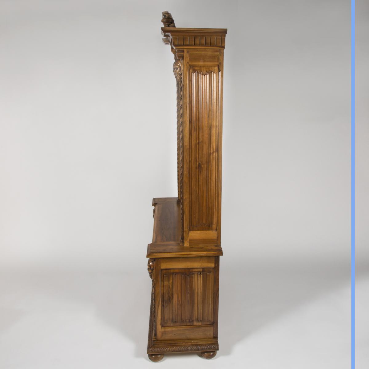 Cabinet à Fusils en noyer sculpté, XXe-photo-3