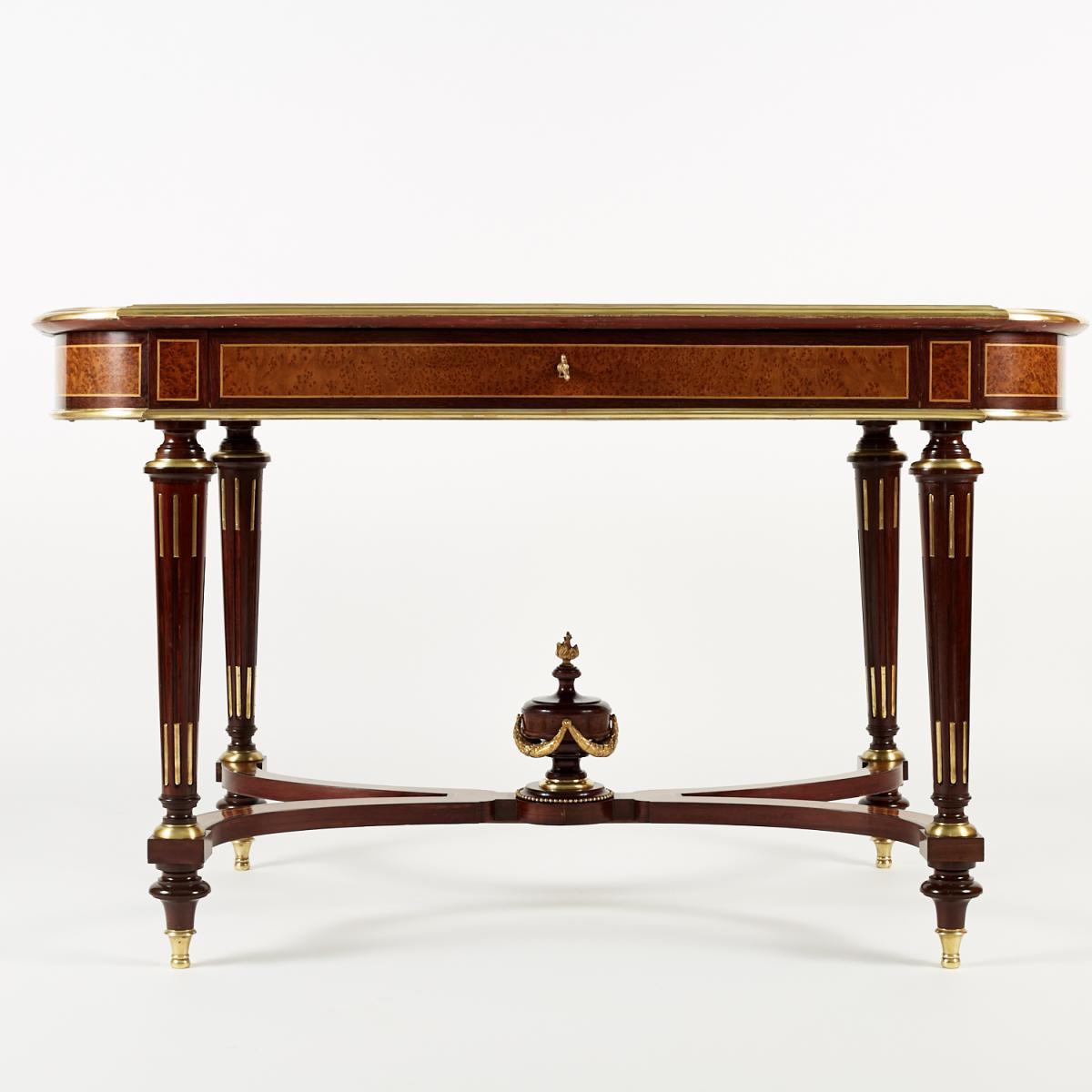 Table de milieu marquetée et bronze doré, XIXe