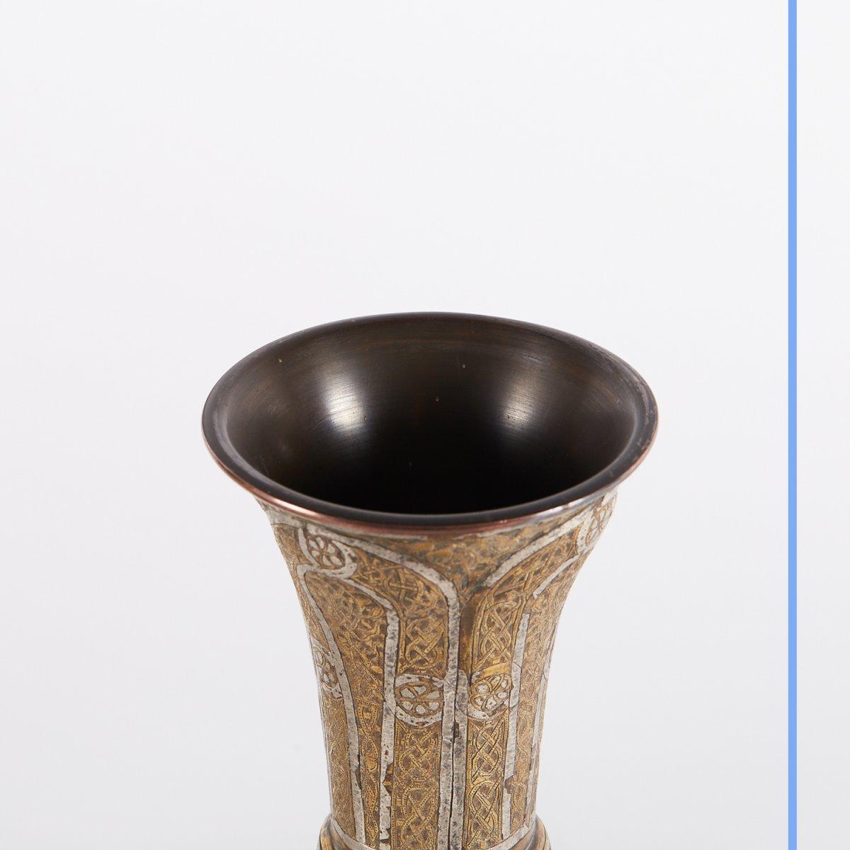 Paire de vases en métal argenté et doré gravé, Syrie, XIXe-photo-1