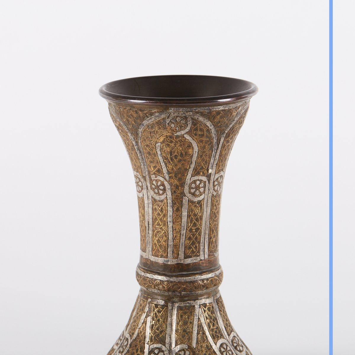 Paire de vases en métal argenté et doré gravé, Syrie, XIXe-photo-2