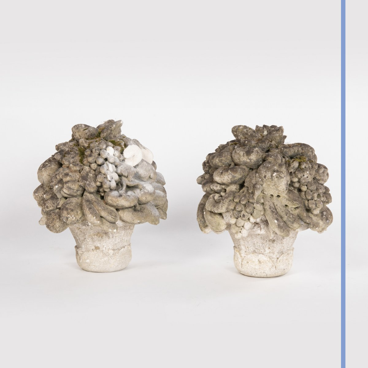 Paire de bouquets en pierre, XIXe