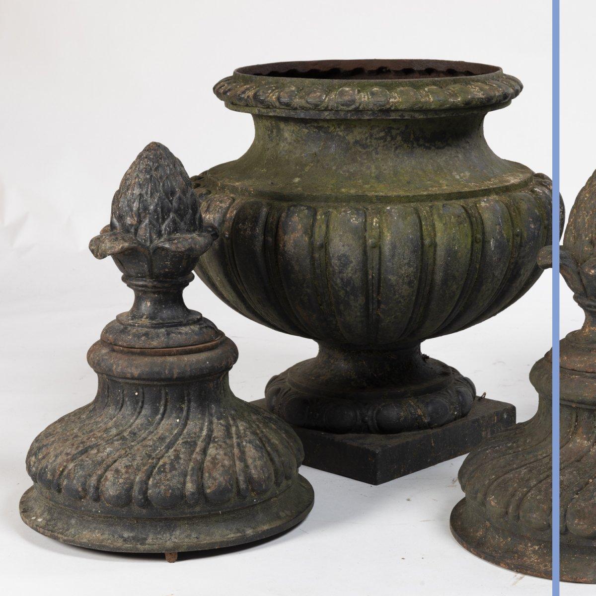 Paire de pots à feux  de style Louis XVI en fonte, XIXe-photo-1