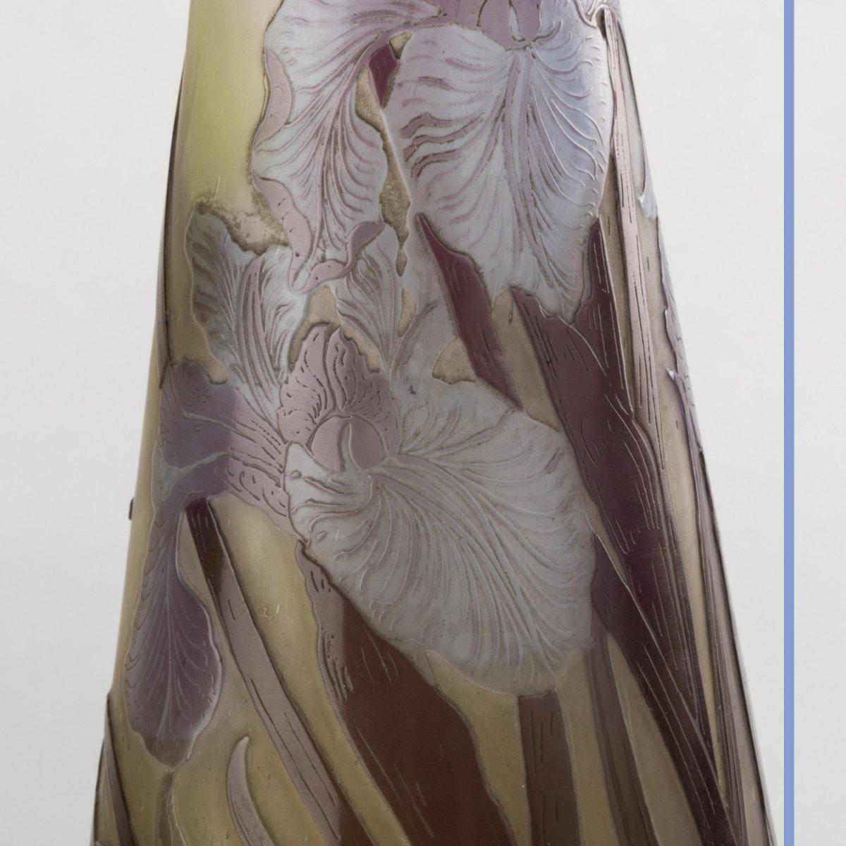 Emile Gallé (1846-1904), vase aux Iris en verre multicouche à décor de fleurs brun et bleu clair, XIXe-photo-5