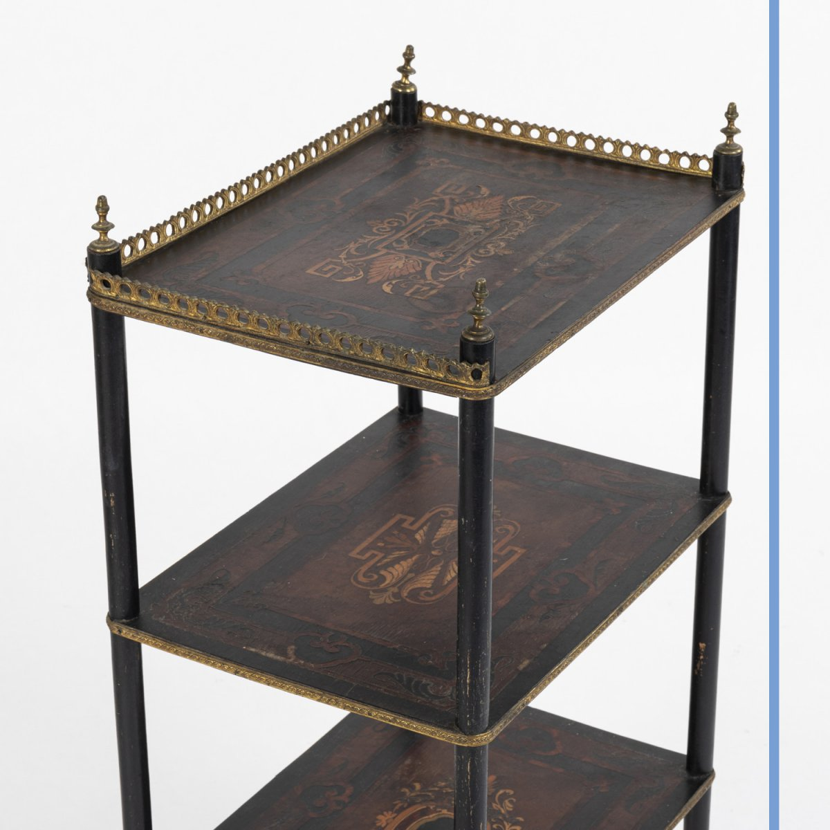 Sellette à 3 plateaux marquetée d'époque Napoleon III, XIXe-photo-3