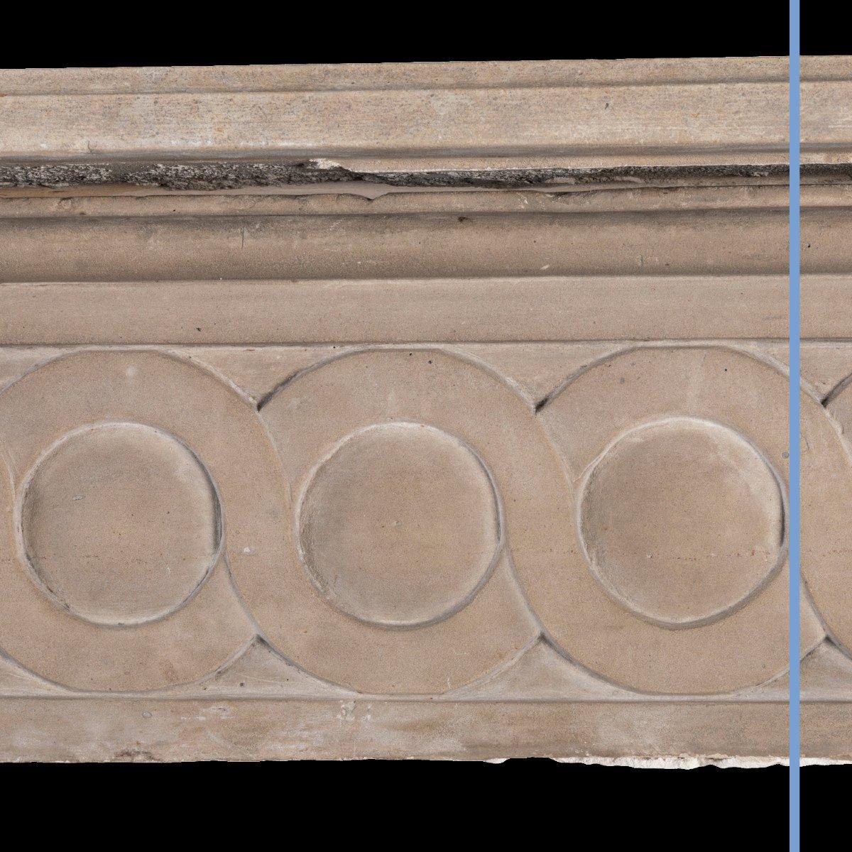 Cheminée en pierre sculpté à décor de spirales et de cannelures, XIXe-photo-5