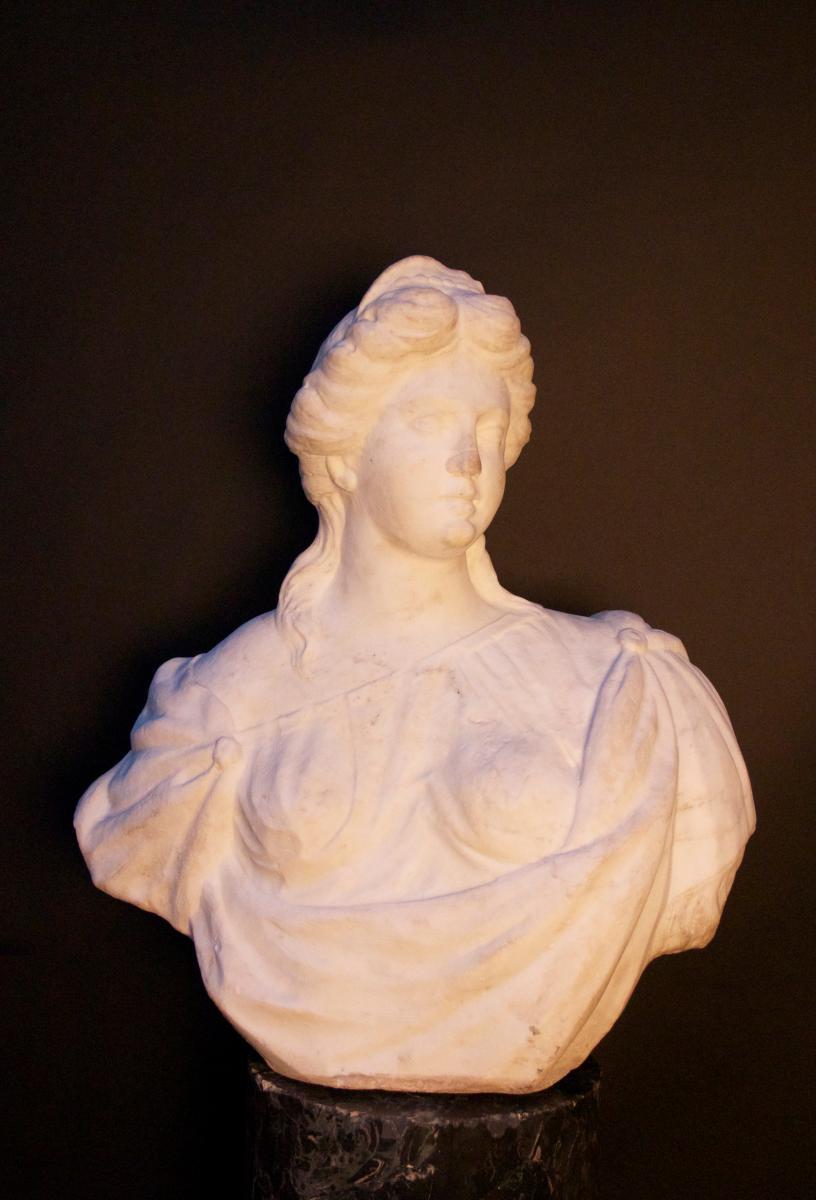 """Buste Italien """"Femme drapée"""", Début XVIIIe"""