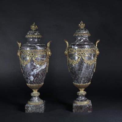 Paire de cassolettes en bronze et marbre, XIXe