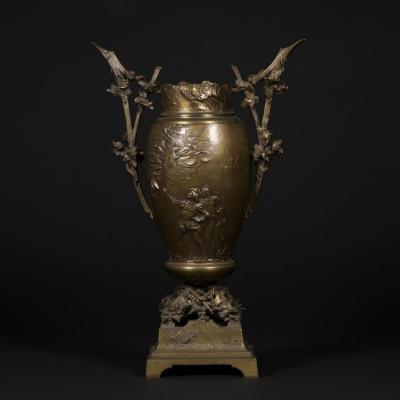 "Vase ""Mephistophélès"" en bronze, XIXe"