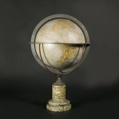 Globe avec pied en marbre, XIXe