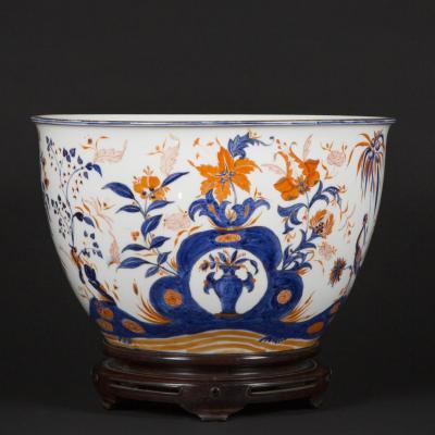 Vasque en porcelaine et son socle, XIXe