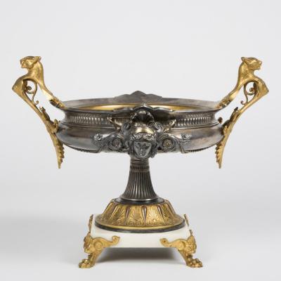 Coupe de style empire en bronze argenté et doré, XIXe