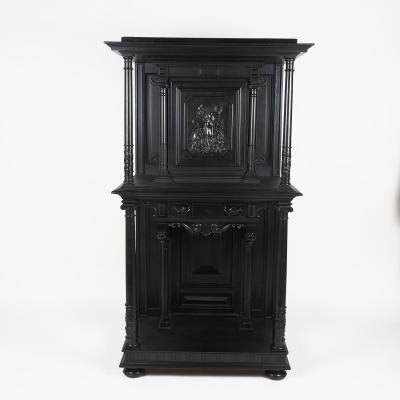 Cabinet en poirier noirci et ébène sculpté, XIXe