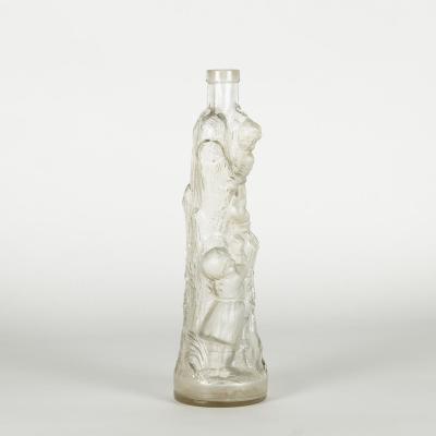 Bouteille carafe en verre sculpté, XXe